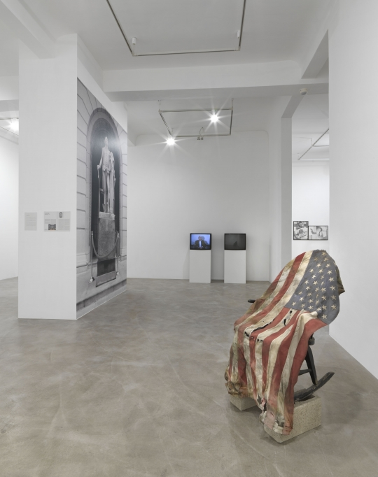 Lost in America, exhibition view Neuer Berliner Kunstverein, 2020, facsimiles from the Michael Asher Archive, works by Jimmie Durham, Carver Audain, Sam Durant, © photo: n.b.k. / Jens Ziehe